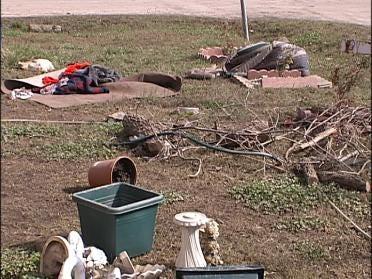 Skiatook Residents Begin Clean-Up
