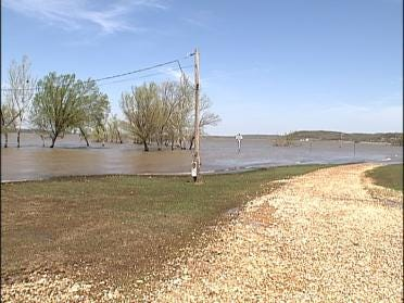 Lake Hudson Residents Tired Of Flood Waters