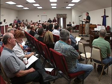 Homeowners Gather To Discuss Flooding