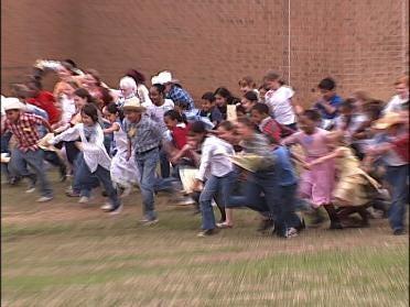Students Experience An Oklahoma Land Run