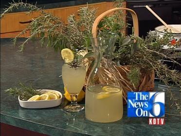 Old-fashioned Rosemary Lemonade