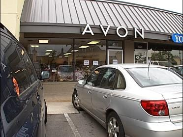 Avon Adds New Retail Store