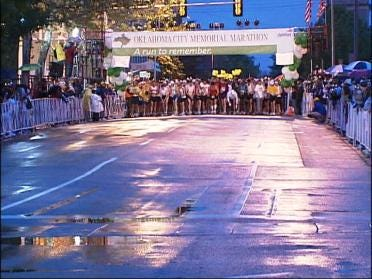 Runners Pay Tribute To Bombing Victims