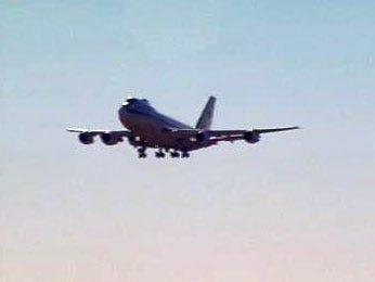 A 747 Causes Quite A Stir Over Tulsa