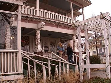 Claremore's Pink House Ready For Christmas