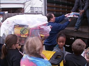 Tulsa Firefighters And Lee Students Collect Toys