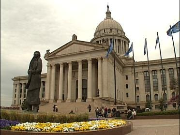 Some Oklahoma Lawmakers Thinking Nuclear