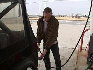 Motorists Want 100 Percent Gasoline