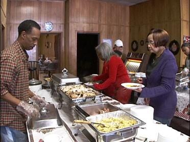 Coffee Shop Serves Free Meal For Holiday