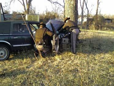 Car Strikes Tree Near Sperry, Killing Driver