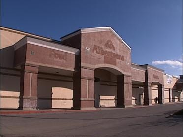 Investors Offer Hope For Replacement Grocery Store