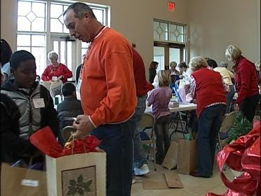 Church Holds Special Christmas Shop