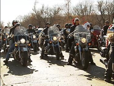 Tulsa Toy Run Attracts Hundreds On Motorcycles