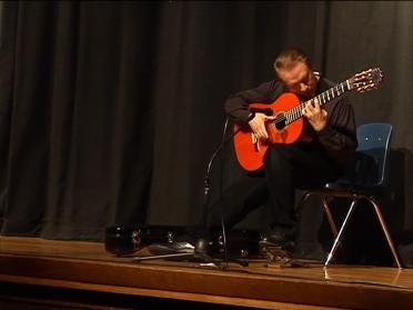 Flamenco Guitarist Tours Tulsa Schools