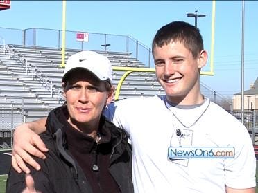 Future Sooner Relies On Mom's Support