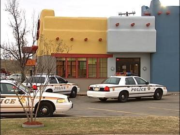 Restaurant Robbed At Gunpoint