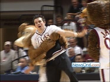 Eli The Eagle Versus Jawz The Jaguar