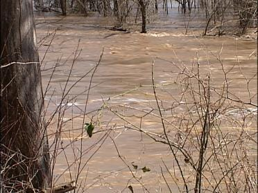 High Waters Rage Down The Illinois