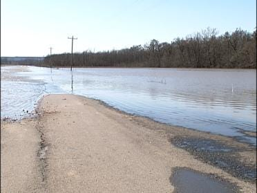 Dirty Creek Flooding Parts Of Webbers Falls