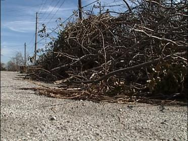 Tulsan Finally Gets Debris Removed