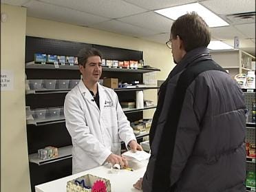 Drug Store Bandits Fail In Diversion Ploy