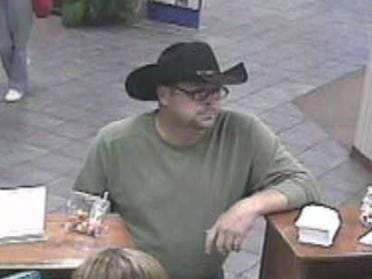Muskogee Police Looking For Fraud Suspect