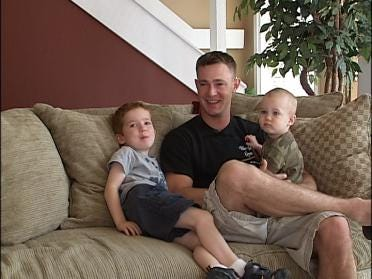 Marine Takes Break To Catch Up With Family