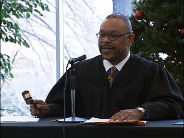 DA Says He Will Remain On Judge's Case