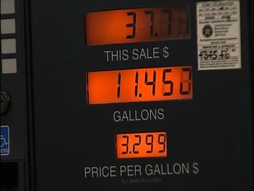 Man Takes It Slow To Save Gas