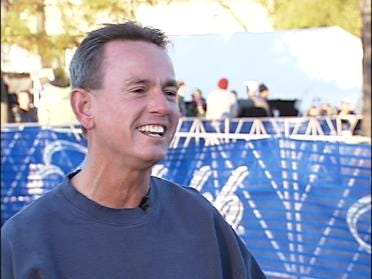 Shoeless Runner Puts Focus On Charity