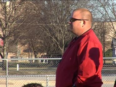 """""""Gus The Bus"""" Driving Force For Wagoner"""