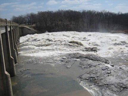 Two Grand River Fishermen Still Missing