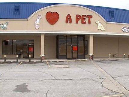 Broken Arrow Pet Store Closes