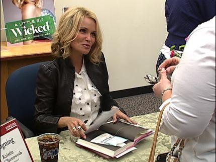 Actress, Broken Arrow Native Visits Tulsa