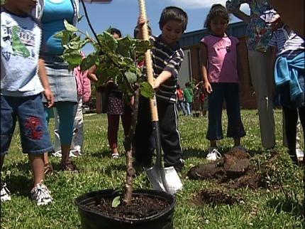 Tulsa School Celebrates Arbor Day