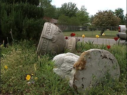 Vandals Take Joy Of Gardening From Tulsa Woman