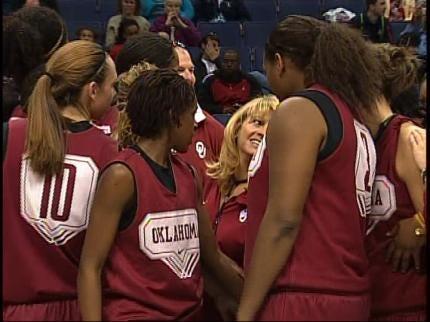 OU Women Fall To Louisville, 61-59