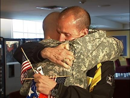 Tulsa Soldier Returns Home From Iraq