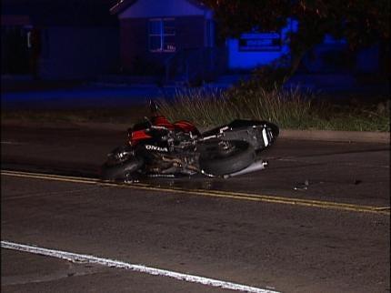 Motorcyclist Injured In Overnight Tulsa Crash