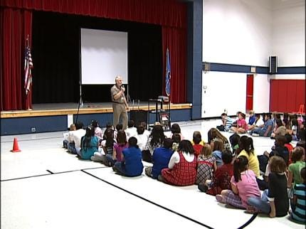 Boevers Elementary Students Learn About Constitution
