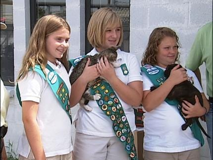 Girl Scouts Give To Sand Springs Animal Shelter