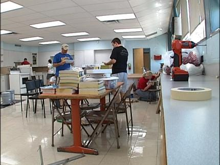 OU-Tulsa Students Build Teacher Lounge At McLain High School
