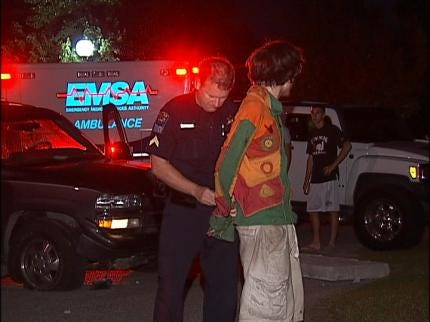 Bystanders Tackle Fleeing Driver In Tulsa Traffic Accident