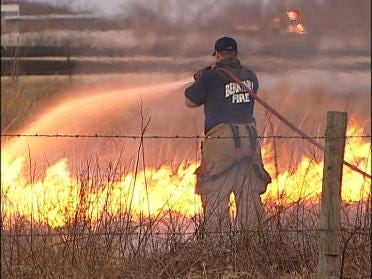 Firefighters Respond To Grass Fire West Of Tulsa