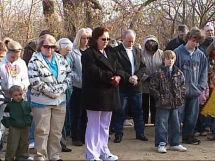 Weleetka Girls Remembered With Prayer Vigil