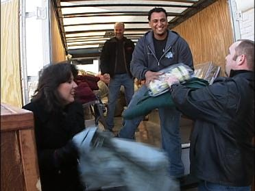 Hundreds Receive Blankets Thanks To Project Warmth