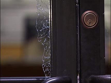 Tulsa Thieves Target Big Screen TV