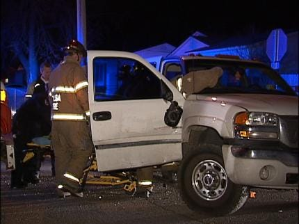 One Person Injured In Overnight Tulsa Accident