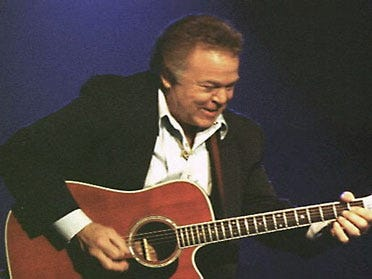 Tulsan Roy Clark In Country Music Hall Of Fame