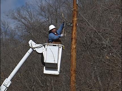 Ozarks Electric's Goal: All Customers Back On By Weekend